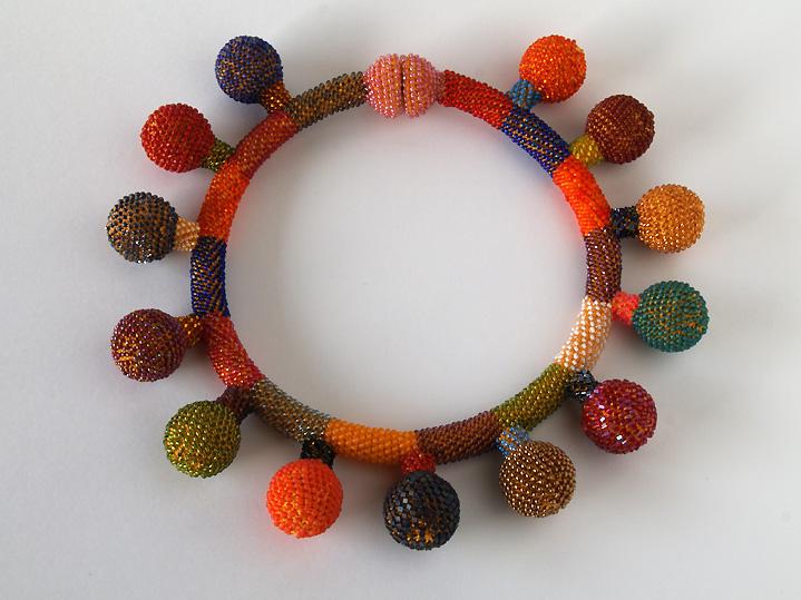 balloon-necklace-web