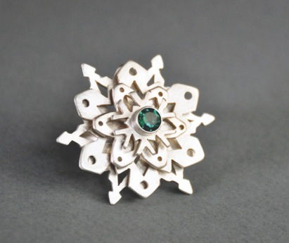 carmen-thompson-snowflake-ring-frontal-web
