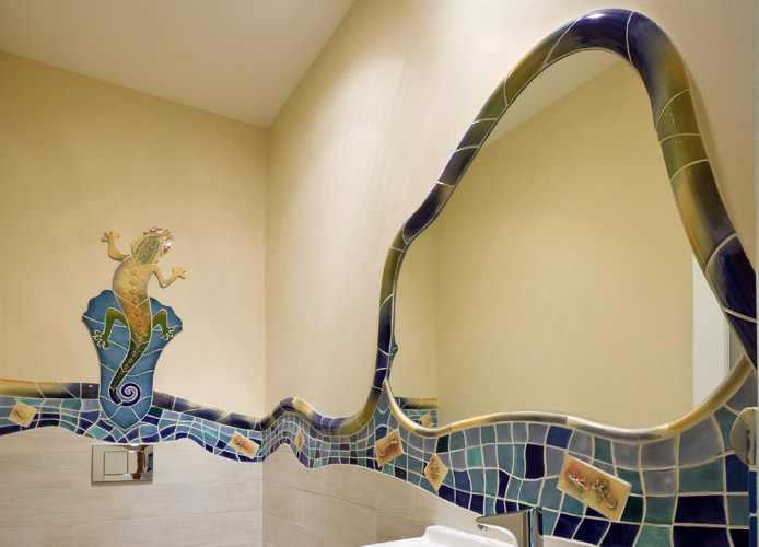 carolina-gaudi-style-bathroom