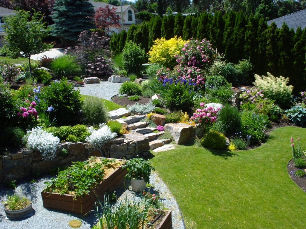 23 good backyard design kelowna for Garden design ideas cyprus